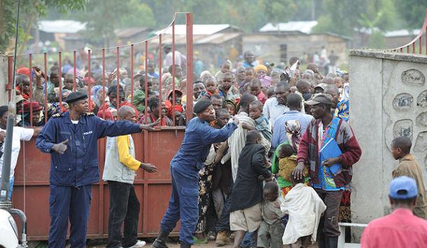 640px-Humanitarian_Aid_in_Congo_november_2008